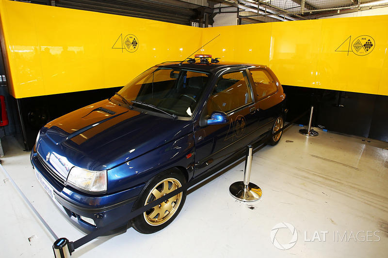 Renault Sport F1 Team F1 Historic Clio Williams