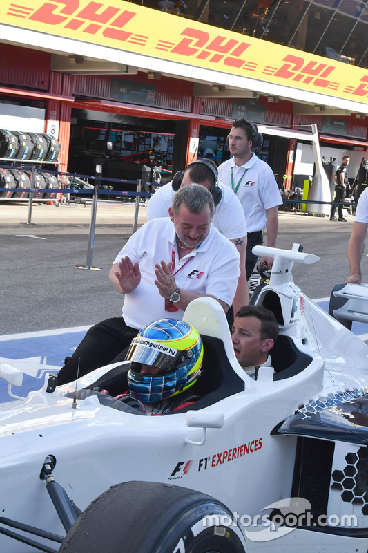 Paul Stoddart, Zsolt Baumgartner, F1 Experiences 2-Seater driver and Will Buxton, NBC TV Presenter