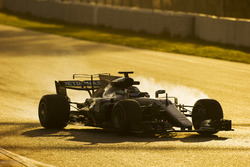 Valtteri Bottas, Mercedes AMG F1 W08, una rueda se bloquea