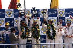 Podium: Hurley Haywood, Mauro Baldi, Yannick Dalmas, Dauer Porsche 962 LM