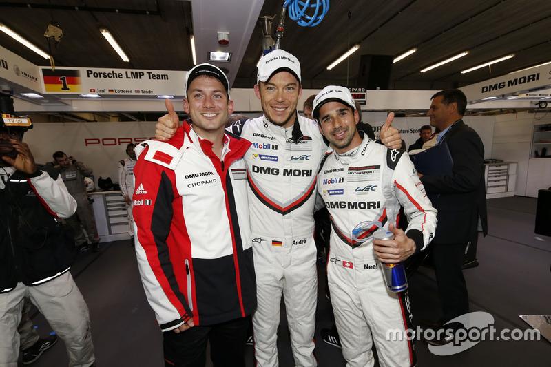 Polesitters Neel Jani, Andre Lotterer, Nick Tandy, Porsche Team