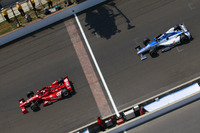 Dario Franchitti, Chip Ganassi Racing, leads Takuma Sato, Rahal Letterman Lanigan Racing