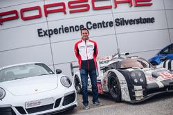 Нік Тенді, Porsche 911 Carrera GTS 4 British Legends Edition