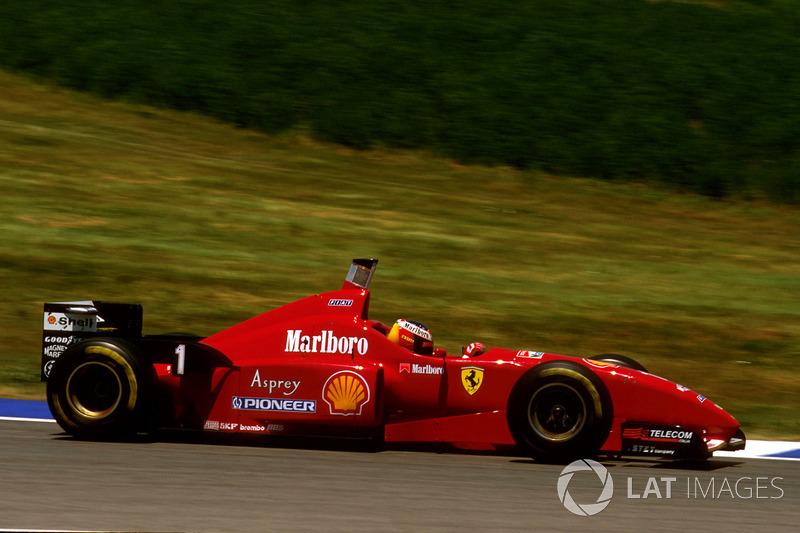 HAT-TRICK: Hamilton fez pole, vitória e volta mais rápida em 14 GPs. Schumacher também é o recordista, com 22.
