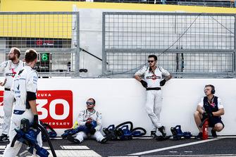 Williams engineers on the grid