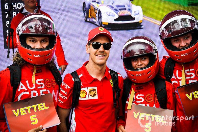 Sebastian Vettel, Ferrari, con i tifosi