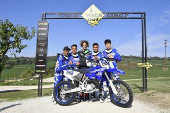 Para peserta Yamaha VR46 Master Camp edisi keenam dan Stefano Manzi