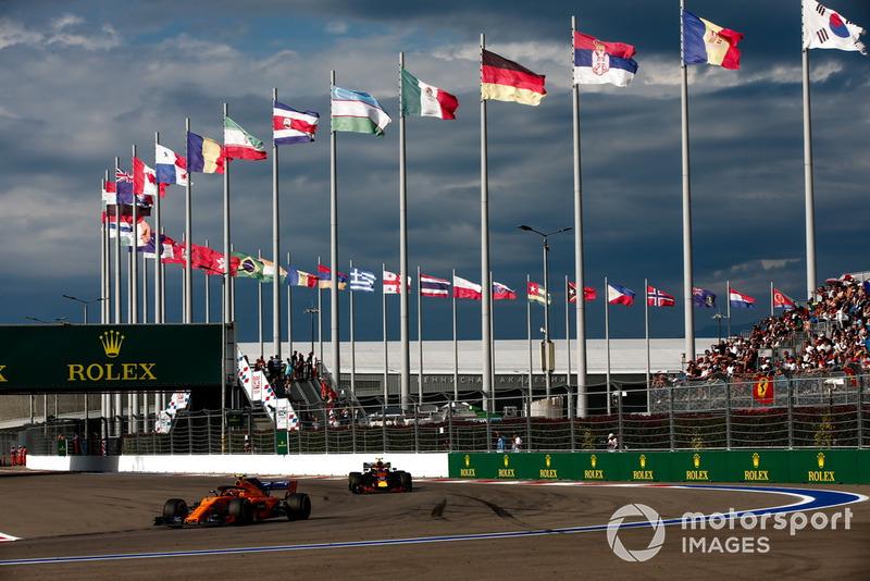 P16: Stoffel Vandoorne, McLaren MCL33