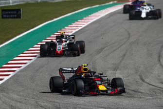 Max Verstappen, Red Bull Racing RB14, leads Kevin Magnussen, Haas F1 Team VF-18