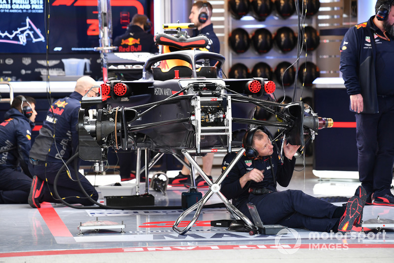 Suasana garasi Red Bull Racing