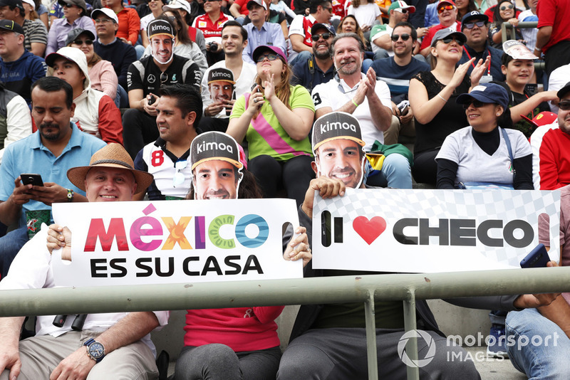 Fernando Alonso, McLaren y Sergio Perez, Racing Point Force India fans
