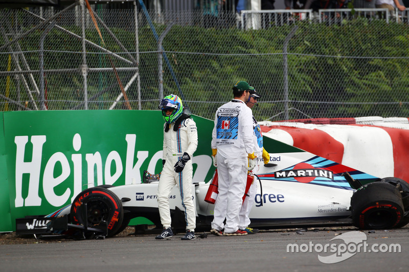 Felipe Massa, Williams FW38 crashed in the first practice session
