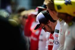Fernando Alonso, McLaren durante el himno