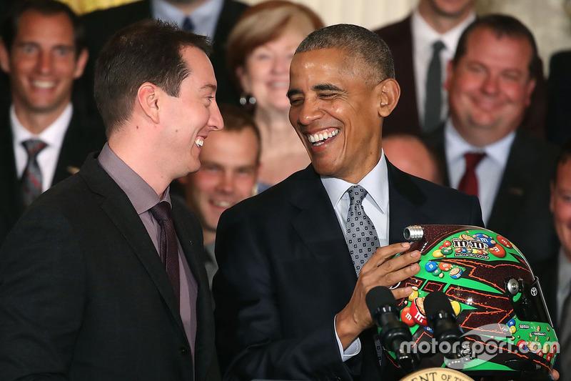 Kyle Busch, NASCAR Sprint-Cup-Champion 2015, trifft US-Präsident Barack Obama im Weißen Haus