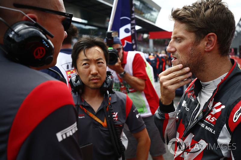 Ayao Komatsu, Chief Race Engineer, Haas F1 Team Team, Romain Grosjean, Haas F1 Team VF-17