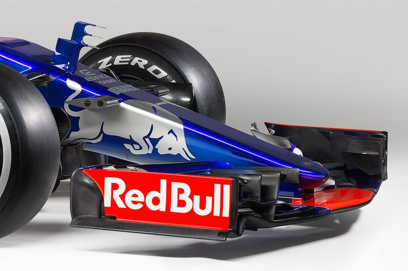 Detalle delantero del Toro Rosso STR12