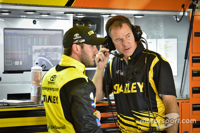 Daniel Suárez, Joe Gibbs Racing, Toyota, mit Crewchief Scott Graves