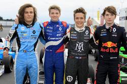 Il vincitore della gara Robert Shwartzman, Josef Kaufmann Racing, Max Defourny, R-ace GP, Sacha Fenestraz, Josef Kaufmann Racing, Dan Ticktum, Arden Motosport