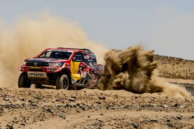 Testfahrten Dakar 2017: Toyota