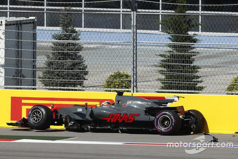Romain Grosjean, Haas F1 Team VF-17 (3 abandonos)