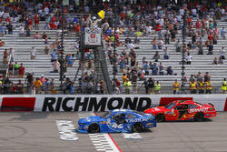Kyle Larson, Chip Ganassi Racing Chevrolet takes the checkered flag in front of Justin Allgaier, JR Motorsports Chevrolet
