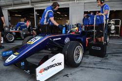 Jake Dennis, Carlin, Dallara F317 – Volkswagen