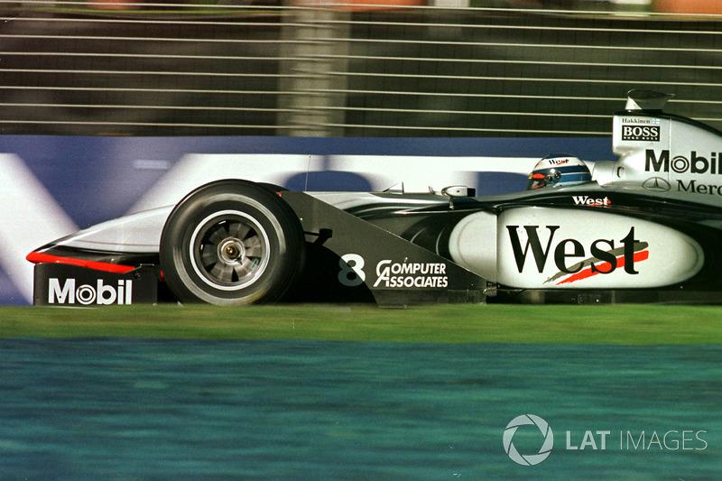 McLaren считалась фаворитом перед началом сезона, но мало кто ожидал, что их преимущество над остальными окажется совершенно подавляющим