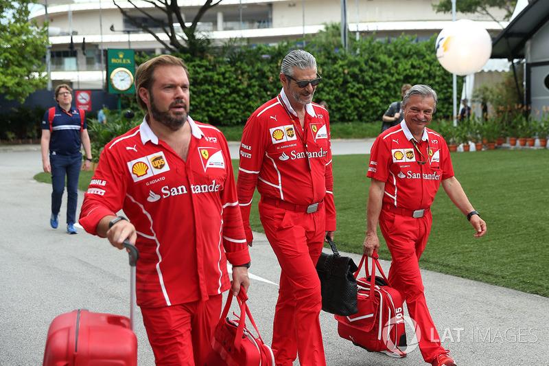 Джино Розато, Ferrari, та Мауріціо Аррівабене, керівник команди Ferrari