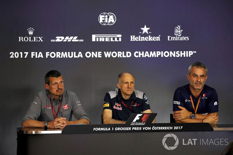 Гюнтер Штайнер, керівник Haas F1 Team, Франц Тост, керівник Scuderia Toro Rosso, Біт Цендер, менеджер Sauber F1 Team