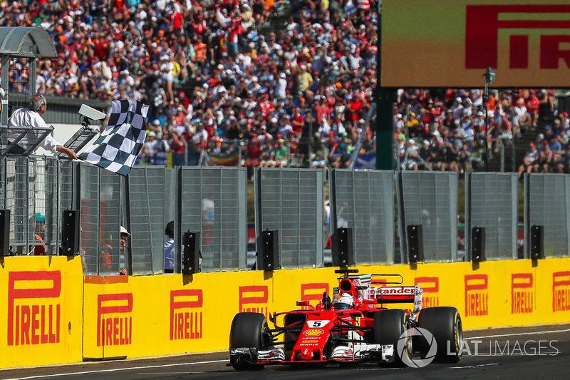 Себастьян Феттель, Ferrari SF70-H, фінішує