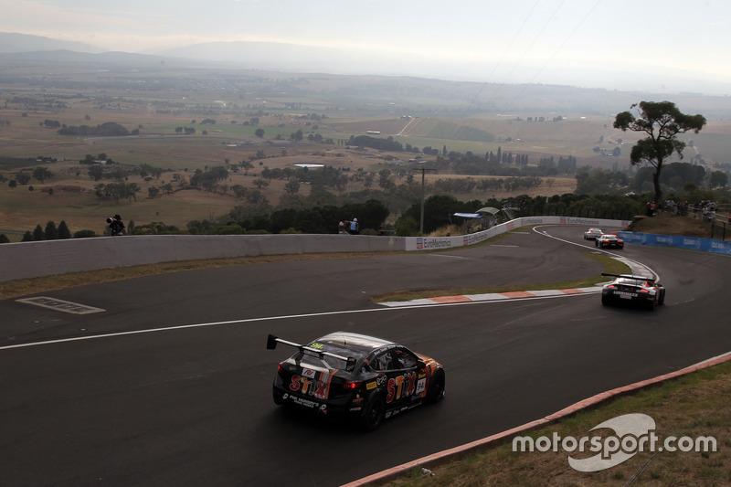 #94 MARC Cars Australia, MARC Mazda 3 V8: Leanne Tander, Nicholas Rowe, Gerard McLeod, Tim Leahey