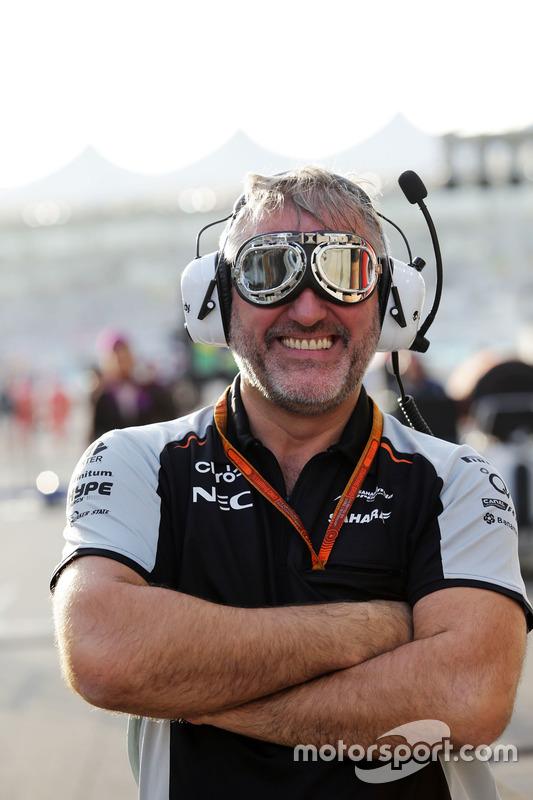 Sahara Force India F1 Team mecánico