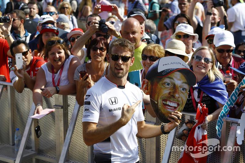 Jenson Button, McLaren con Fans