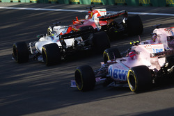 Sebastian Vettel, Ferrari SF70H, Felipe Massa, Williams FW40, Sergio Pérez, Sahara Force India F1 VJM10 y Esteban Ocon, Sahara Force India F1 VJM10