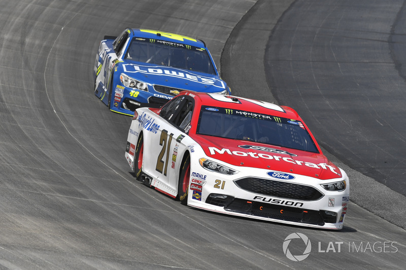 Ryan Blaney, Wood Brothers Racing, Ford; Jimmie Johnson, Hendrick Motorsports, Chevrolet