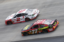 Erik Jones, Furniture Row Racing, Toyota; Brad Keselowski, Team Penske, Ford