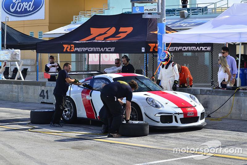 #88 MP2A Porsche GT Cup driven by Carlos Crespo & Beto Monteiro of BRT