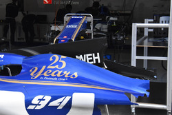 Sauber C36: Motorhaube