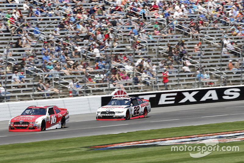 Ryan Reed, Roush Fenway Racing, Ford; Ryan Blaney, Team Penske, Ford