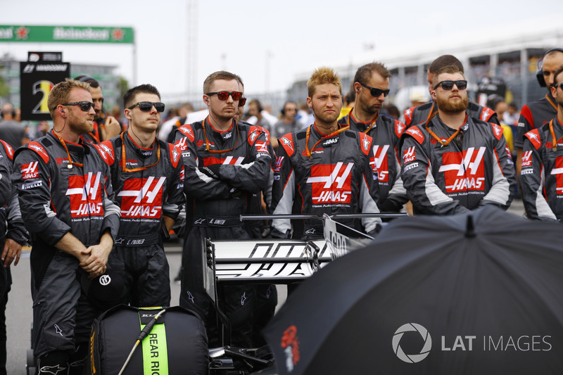El equipo Haas guarda un minuto de silencio