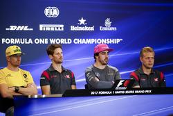 Nico Hulkenberg, Renault Sport F1 Team, Romain Grosjean, Haas F1 Team, Fernando Alonso, McLaren, Kevin Magnussen, Haas F1 Team, en la conferencia de prensa