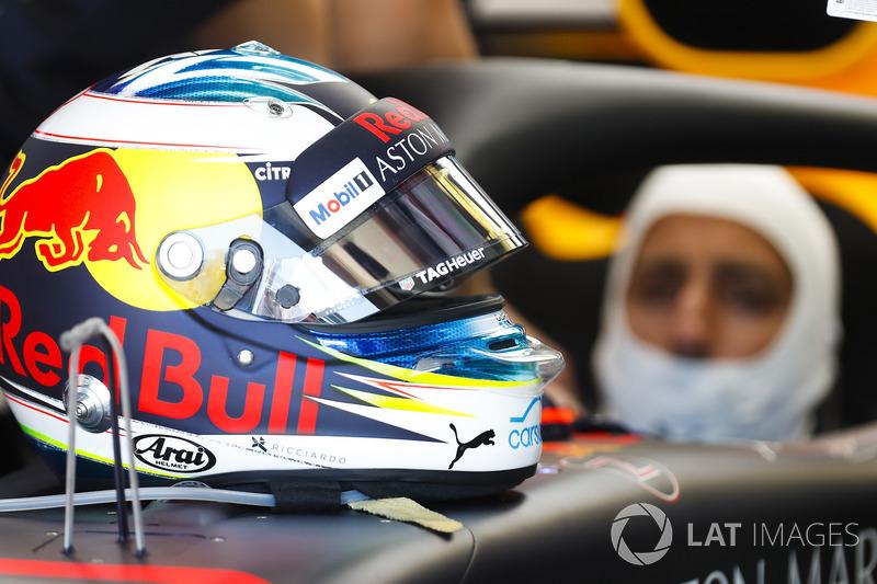 Dettaglio del casco di Daniel Ricciardo, Red Bull Racing
