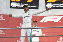 Podio: Lewis Hamilton, Mercedes AMG F1, y Valtteri Bottas, Mercedes AMG F1