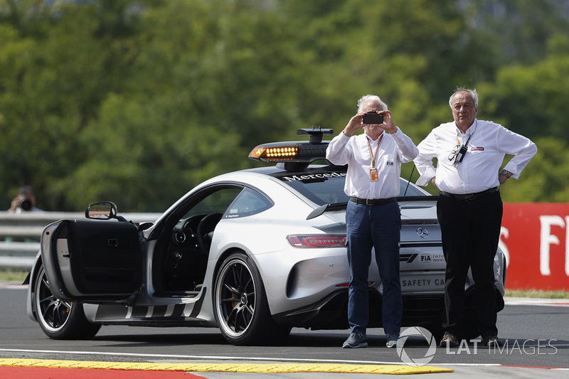 Delegasi FIA, Charlie Whiting
