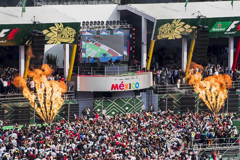 Podyum: Yarış galibi Max Verstappen, Red Bull Racing, 2. Valtteri Bottas, Mercedes AMG F1, 3. Kimi Raikkonen, Ferrari