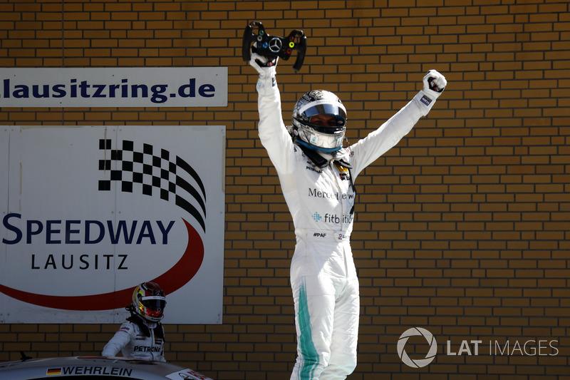 Race winner Gary Paffett Mercedes-AMG Team HWA