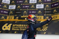 Racewinnaar Dan Ticktum, Motopark with VEB, Dallara Volkswagen