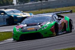 #77 Barwell Motorsport Lamborghini Huracan GT3: Leo Matchiski, Adrain Amstutz, Jon Minshaw