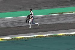 Stoffel Vandoorne, McLaren runs on track after crashing out