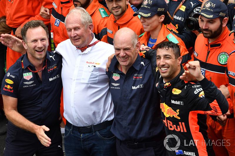 Selebrasi Red Bull setelah kemenangan Daniel Ricciardo di Monako